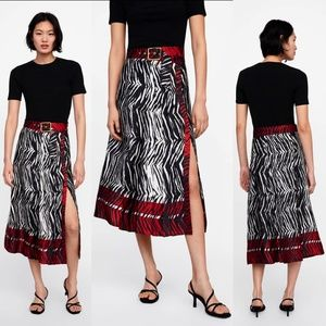 ZARA ANIMAL ZEBRA PRINT FLOATY PLEATED SKIRT